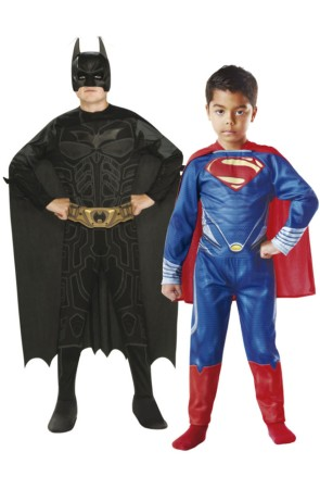 Cofre de disfraces Batman y Superman para niño